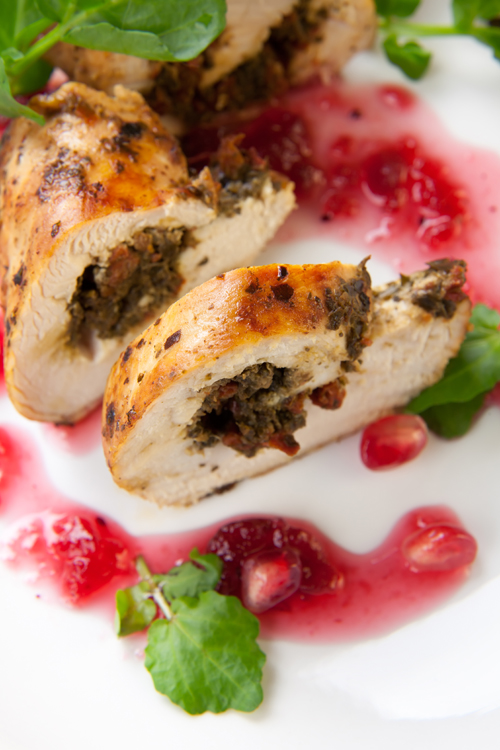CHICKEN SUPREME WITH APPLE AND CRANBERRY